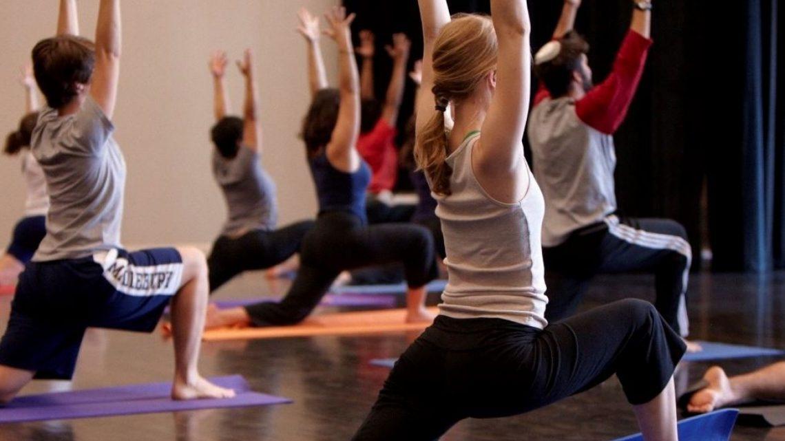Préparez-vous à votre séance yoga: Tenue et accessoires
