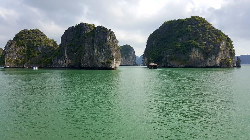 Partir à la découverte de la baie d'Halong lors d'une escapade au Vietnam