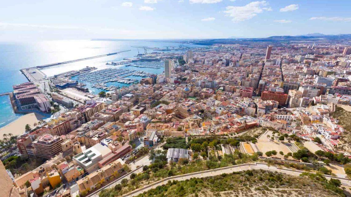Comment avoir une bonne adresse de location de voiture à Alicante?