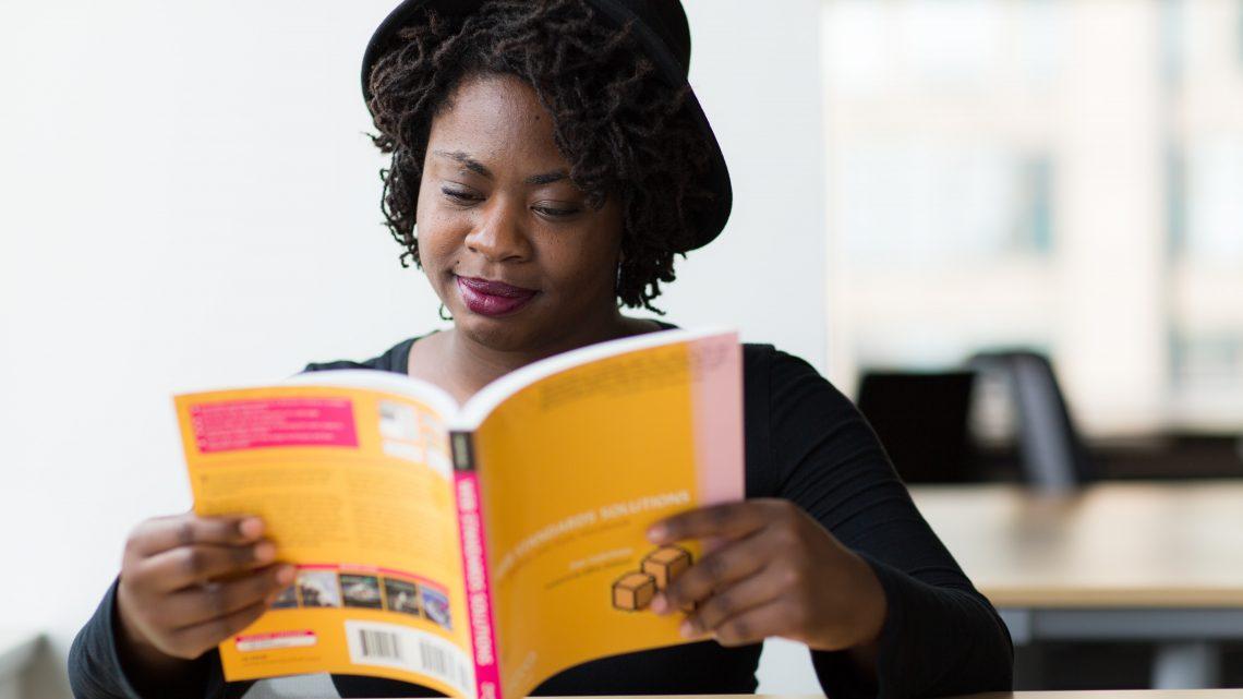 Comment apprendre à lire aux adultes  ?
