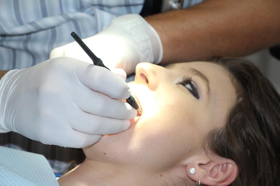 Parodontologie Marseille : les informations essentielles, concernant la discipline