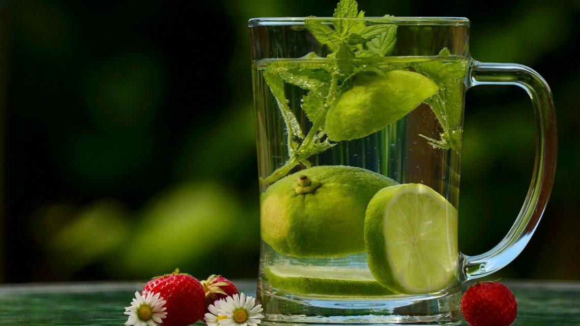 5 recettes d'eau aromatisée pour perdre du poids